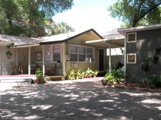 Charming Coral Cottage - Clearwater vacation rentals