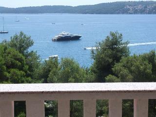 Comfortable  app  A3 (6+1) in Seget Donji,  Trogir - Seget Donji-Vranjic vacation rentals