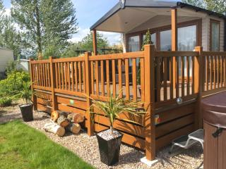Luxury Lakeside retreat - Private Hot Tub - Tattershall vacation rentals