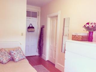 Cozy room 10min to MIT&Harvard - Boston vacation rentals
