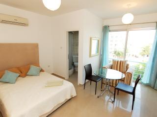 Cosy studio in Kyrenia, North Cyprus - Kyrenia vacation rentals