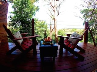 Macaw Suite - *CONTACT ME FOR SUMMER DISCOUNTS* - West Bay vacation rentals