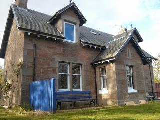 3 bedroom Villa with Dishwasher in Inverness - Inverness vacation rentals