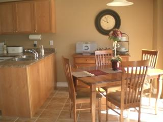 Executive Furnished townhome in Central Niagara - Saint Catharines vacation rentals