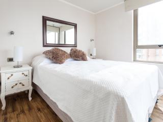 RA1 Apartamento Metro Manquehue - Santiago vacation rentals