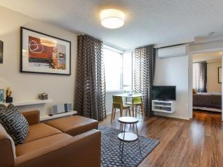 NEW-StayCentral CBD Vistas & CBD Little Paris - Melbourne vacation rentals