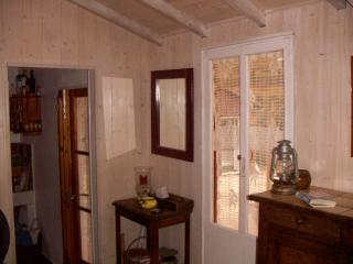 1 bedroom Chalet with Internet Access in Saint-Martin-de-la-Brasque - Saint-Martin-de-la-Brasque vacation rentals