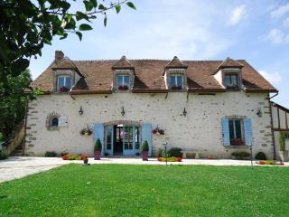 Nice B&B with Short Breaks Allowed and Central Heating - Provins vacation rentals