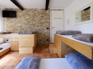 Bed & Wellness Fisterre - Blue Room - Belluno vacation rentals
