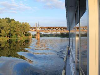 Houseboat Finland: Houseboat DeLuxe 42 m2 / 8 pers - Jyväskylä vacation rentals
