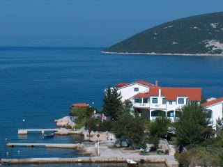 Beautiful Condo with Internet Access and A/C - Supetarska Draga vacation rentals