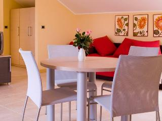 Monolocale al Country Golf Resort - Castellaro vacation rentals