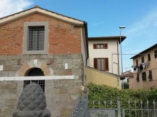 Erik's home between Vinci and Florence. - Empoli vacation rentals