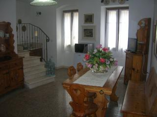Cozy 3 bedroom Sorso Bed and Breakfast with Internet Access - Sorso vacation rentals