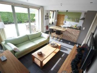 Nice Studio with Internet Access and Central Heating - Brakel vacation rentals