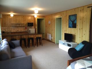 Lovely Jindabyne Studio rental with Washing Machine - Jindabyne vacation rentals