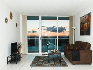 Best Of Sunny Isles 2/2 Luxury. Close To The Beach - Sunny Isles Beach vacation rentals