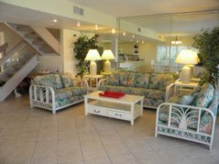 Golden Beach #1 Surf & Sand Right Outside Your Door. Pet Friendly - Image 1 - Sanibel Island - rentals