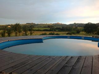 Romantic 1 bedroom Lucignano Townhouse with Shared Outdoor Pool - Lucignano vacation rentals