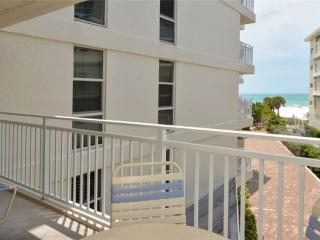 Comfortable 2BR with Gulf view, recently remodeled #308GV - Sarasota vacation rentals