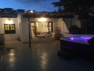 29 Lago Verde.hot tub, Twin bed, large terrace - Puerto Del Carmen vacation rentals