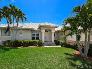 PARADISO - Southern Waterfront Exposure, Walking Distance to the Shoppes of Publix Plaza! - Marco Island vacation rentals
