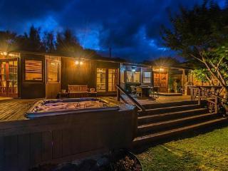 Waterfall Beach House - w/ hot tub, near beach - Waimanalo vacation rentals
