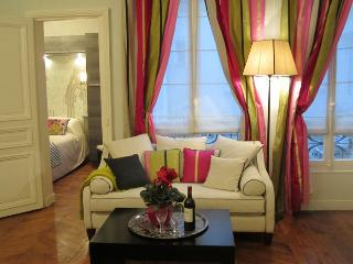 """La Belle Notre Dame"" - Two-Bedroom, Two-Bath - Paris vacation rentals"