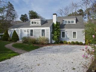 Beautiful 4 bedroom Marstons Mills House with Deck - Marstons Mills vacation rentals