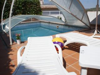 Ibiza style pool villa in Sitges. Barcelona. - Sitges vacation rentals