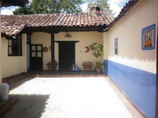 Departamento bonito y con excelente ubicacion - San Cristobal de las Casas vacation rentals