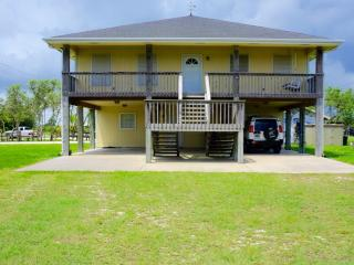 4 bedroom House with Linens Provided in Port O Connor - Port O Connor vacation rentals