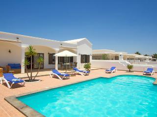 Charming 5 bedroom Tenerife Villa with Dishwasher - Tenerife vacation rentals