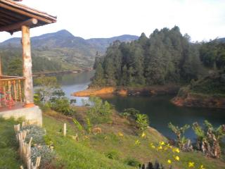 Gorgeous and Economical Lakeside Finca 0198 - Guatape vacation rentals