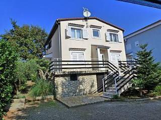 5286 A-Desni A (2+1) - Njivice - Njivice vacation rentals