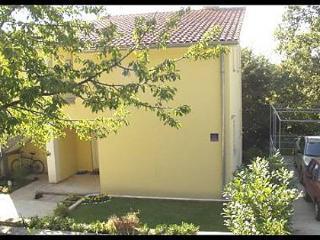 5299  A1(2+1) - Njivice - Njivice vacation rentals