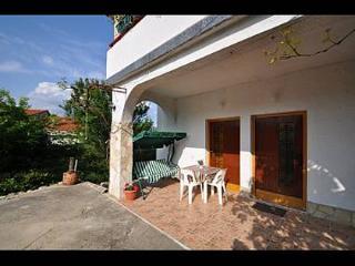 5379  SA1(2) - Vrbnik - Vrbnik vacation rentals