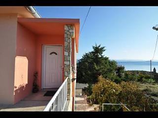 5381  A1(2+1) - Vrbnik - Vrbnik vacation rentals