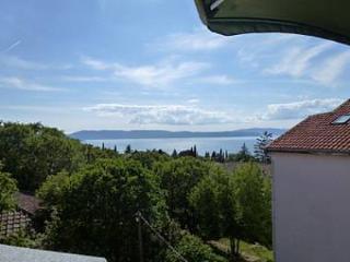 5502  A1(2+2) - Njivice - Njivice vacation rentals