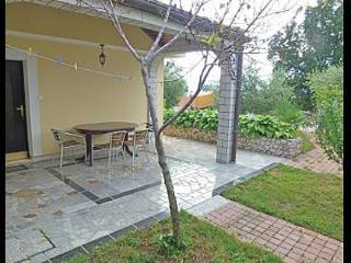 5582 Dvojka(2+1) - Njivice - Njivice vacation rentals