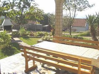 5582 Osmica(8+2) - Njivice - Njivice vacation rentals
