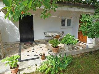 5582 Studio(2+1) - Njivice - Njivice vacation rentals