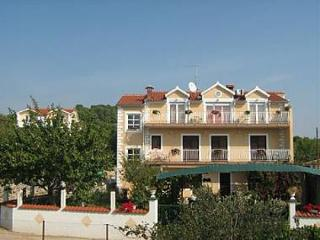 3 bedroom Apartment with Internet Access in Brodarica - Brodarica vacation rentals