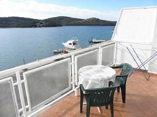 35049  R1(2) - Tisno - Tisno vacation rentals