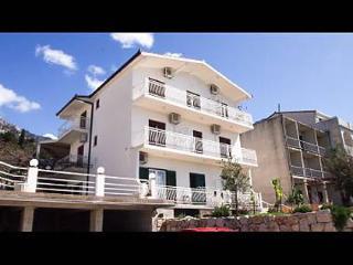 35172  SA2(3) - Gradac - Gradac vacation rentals