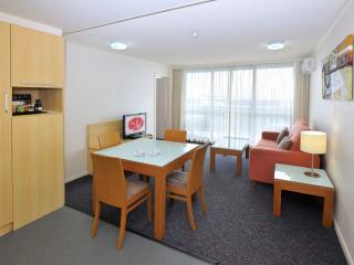 Metro Hotel & Apartments Gladstone #1 - Gladstone vacation rentals