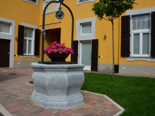 Nice Townhouse with Internet Access and A/C - Pogliano Milanese vacation rentals
