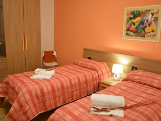 Nice Townhouse with Internet Access and Wireless Internet - Pogliano Milanese vacation rentals