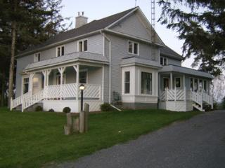 Charming 4 bedroom Farmhouse Barn in Bloomfield - Bloomfield vacation rentals