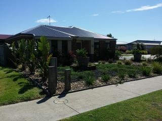 Carinya Beach House (One of the Best) - Cowes vacation rentals